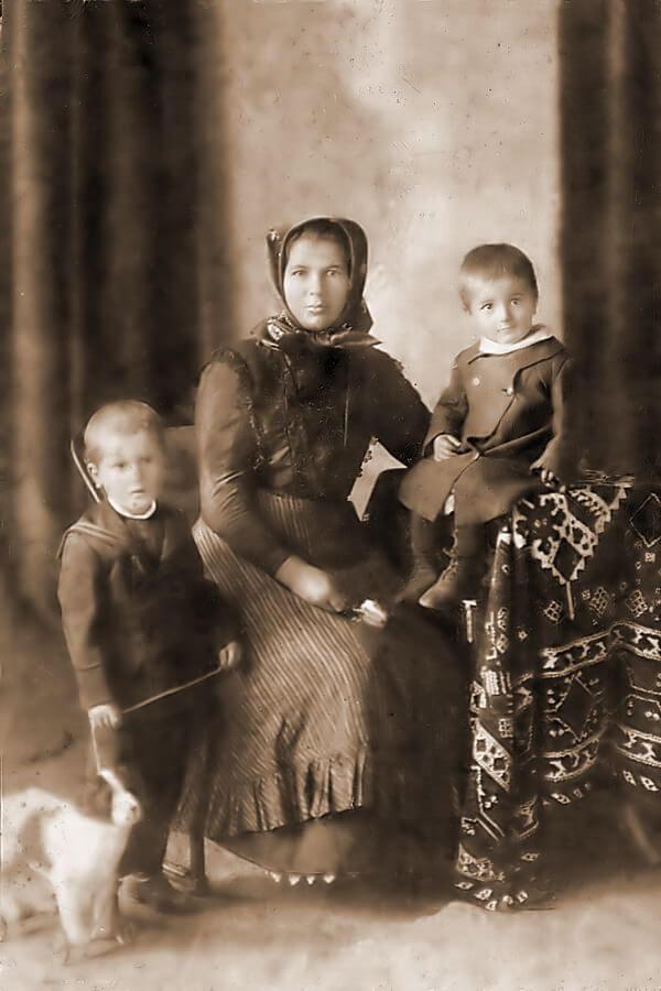 Gallai István, Jenei Ágnes és a kis Gallai Ferenc fotója